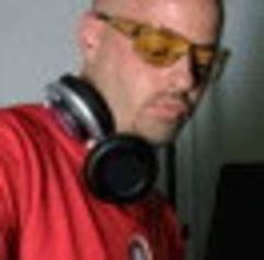 DJ Farmboy si Scott Carelli in Club La Mania