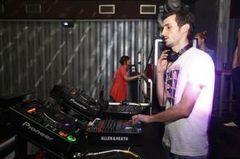 Posh a castigat  Burn Mix Off Event si e cu un pas mai aproape de o rezidenta la Ibiza