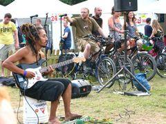 In premiera in Romania:  concerte sustinute prin pedalare pe biciclete  la Delta Music Fest 2012