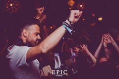 Adrian Eftimie si DJ Optick isi unesc fortele pentru a trezi Timisoara
