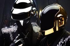 Daft Punk au cantat cu The Weeknd piesa